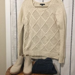 American Eagle chunky cream diamond knit sweater